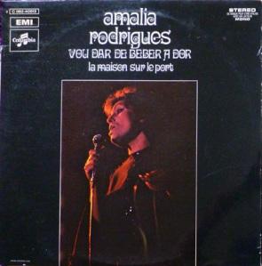 Amália -- Vou dar de beber à dor