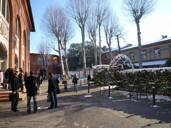 Toulouse, faculté de droit, 9 mars 2010