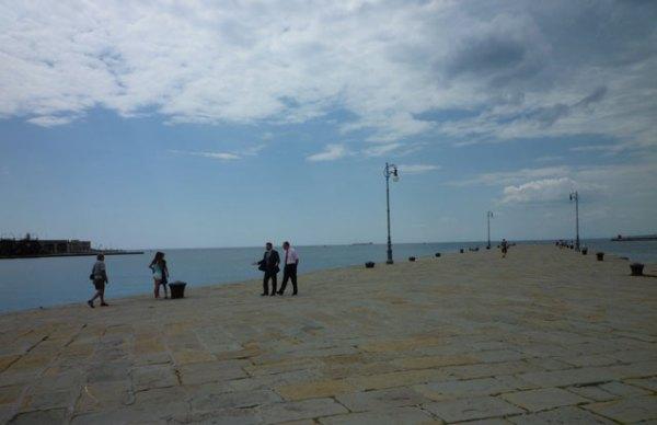 Le môle Audace à Trieste, Italie, 7 juillet 2010
