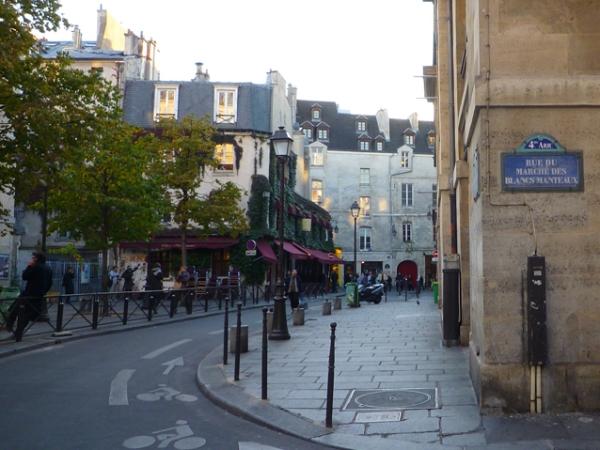 Paris, rue des Hospitalières Saint-Gervais, rue du Marché des Blancs-Manteaux (4e arrondissement), 22 octobre 2010