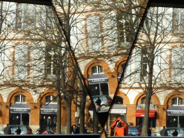 Toulouse, place Saint-Georges dans le miroir, 12 décembre 2010