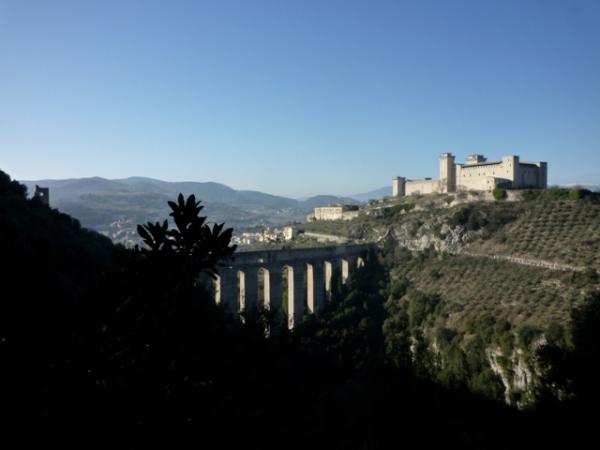 Spoleto (Umbria, Italia) -- Spolète (Ombrie, Italie). 31 décembre 2011