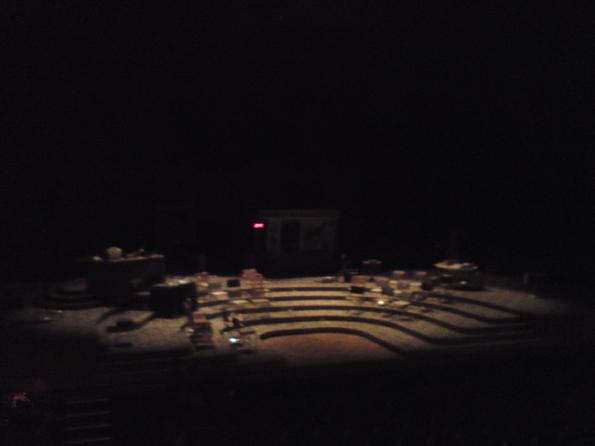 La scène du TNT (théâtre national de Toulouse) après la représentation de Nouveau roman, de Christophe Honoré, le 26 octobre 2012