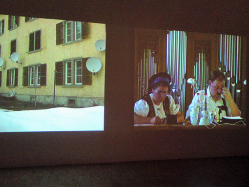 Exposition Adieu la Suisse !, Montpellier, Pavillon populaire. Erich Busslinger — Inland-Archiv, installation vidéo. 8 décembre 2012.