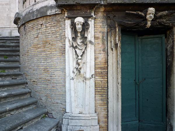 Escalier de l'église Santi Domenico e Sisto, Rome (Italie), 24 décembre 2012