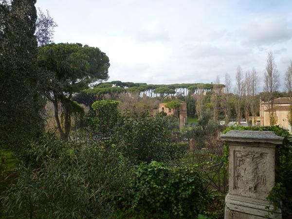 Vue (vers l'ouest) depuis San Gregorio in Celio, Rome (Italie), 25 décembre 2012