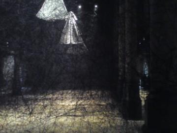 Carré Sainte-Anne, Montpellier (France), 6 octobre 2013. Exposition « After the dream, 2013 » de Chiharu Shiota