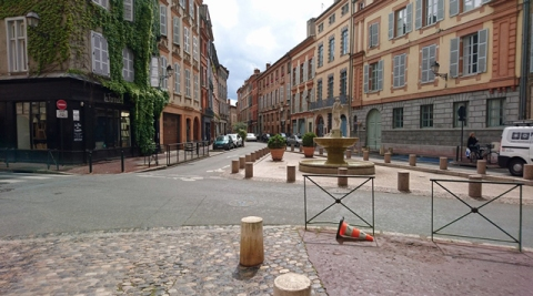 Toulouse (Occitanie, France), place Sainte-Scarbes, 6 mai 2017