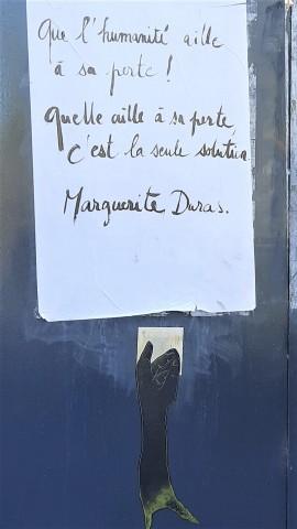 Toulouse (Occitanie, France), 14 septembre 2020. Placard apposé sur l'ancien théâtre de la Digue