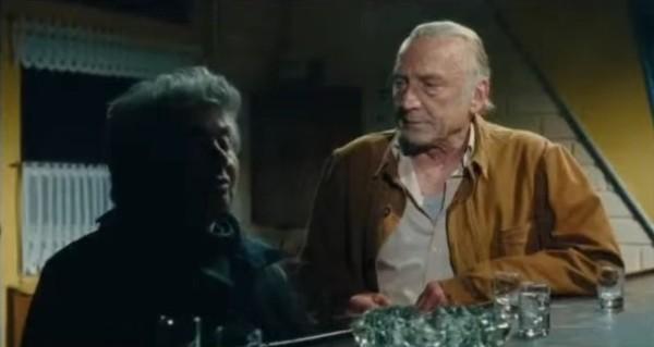 Roberto Piazza (Little Bob) et André Wilms dans « Le Havre » (2011), film de Aki Kaurismäki